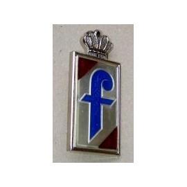"Emblem ""Pinifarina"" on the rear fender - 124 Spider (1966--"