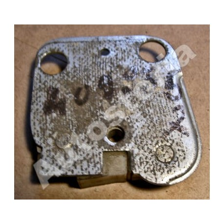 Right front and rear striker plate - 1500L/1800B/2300