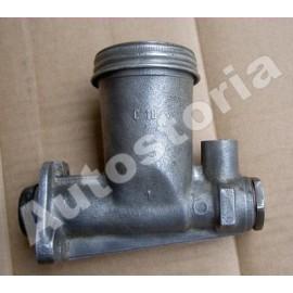 Clutch master cylinder (rebuilt) - 1800 / 2100